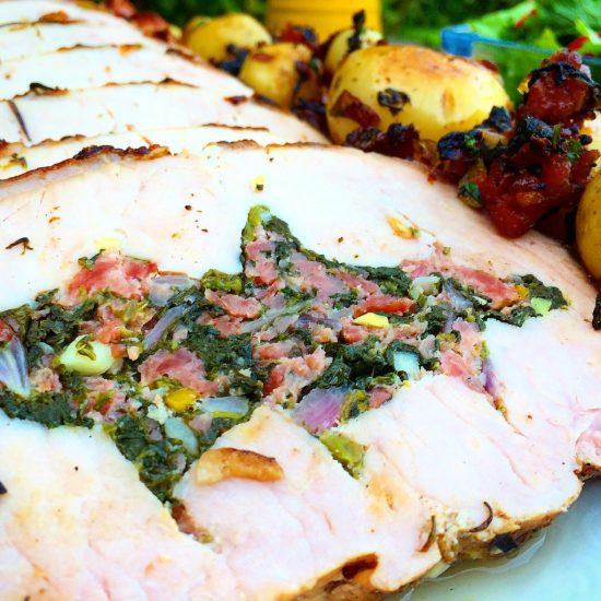 Receita Natalina Lombo de porco recheado com linguiça e espinafre