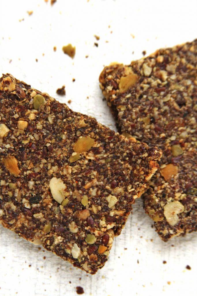 Receita de biscoito salgado sem glúten, sem lactose, sem ovo feito com sementes (vegano) | www.amorpelacomida.com.br