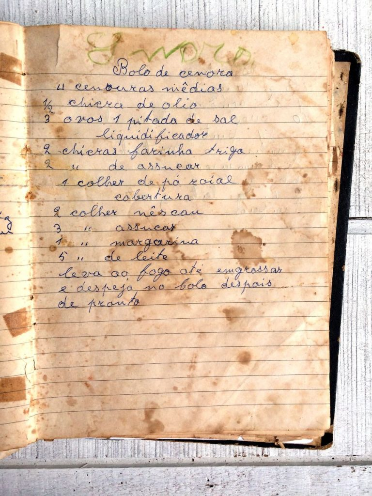 receita-original-bolo-de-cenoura-da-vovo