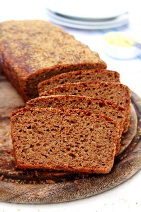 Receita de Pão Australiano Fit feito no liquidificador super nutritivo, sem glúten e sem lactose