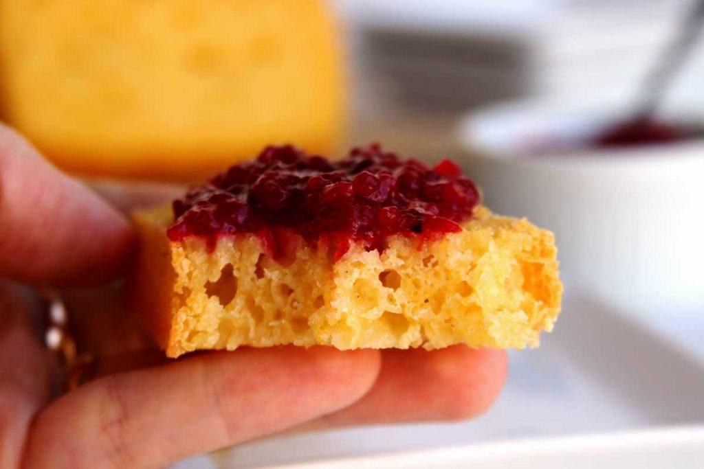 Receita de pão de fubá escaldado sem glúten super simples de preparar. Pão de milho vegano