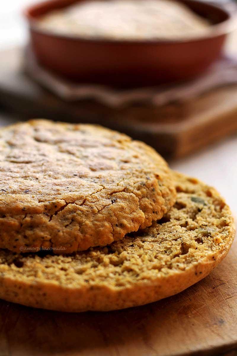 Pão de Frigideira fit com fubá e aveia sem glúten, sem ovo, sem soja, sem lactose, vegano